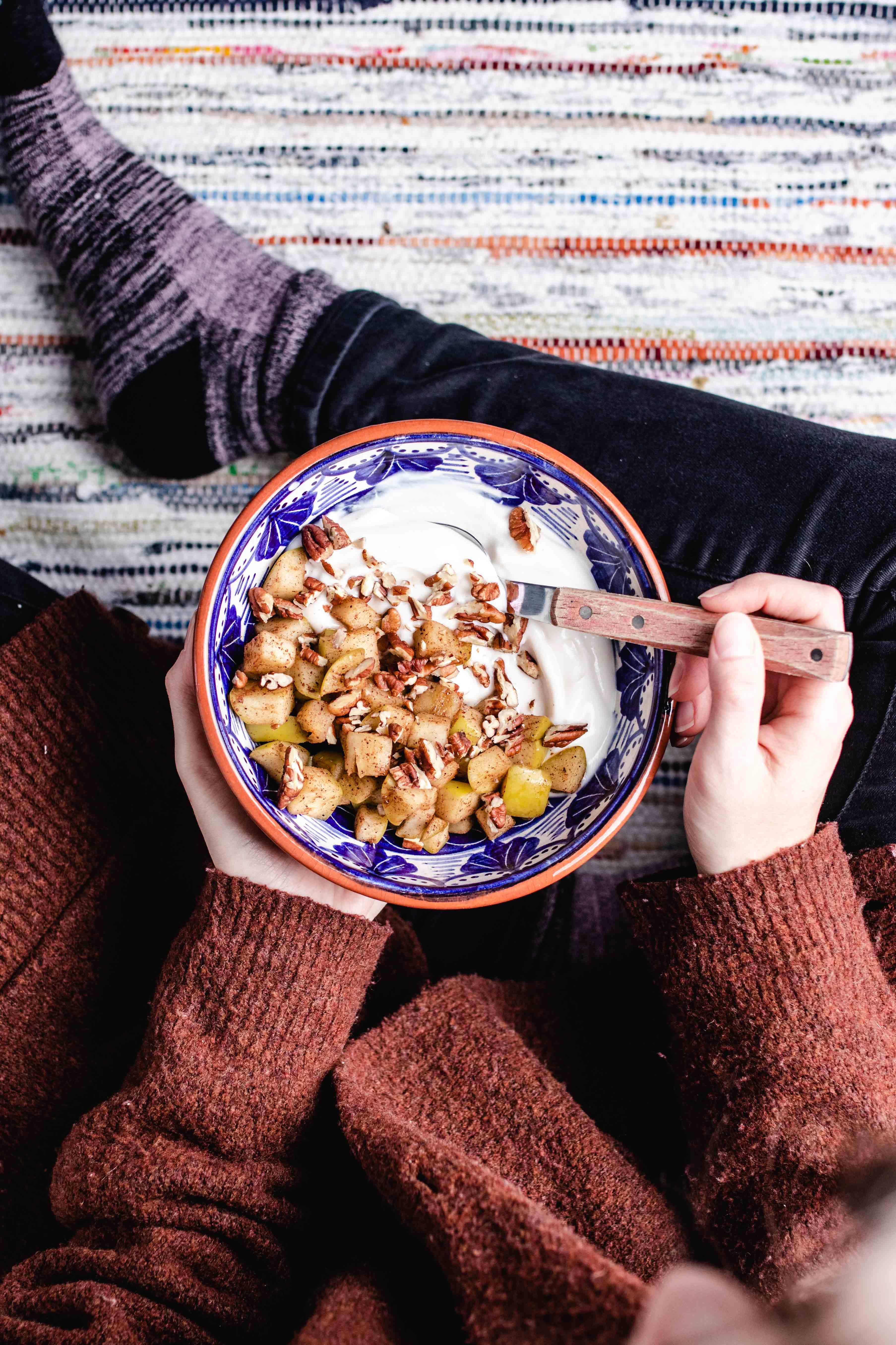 apple cinnamon yogurt bowl