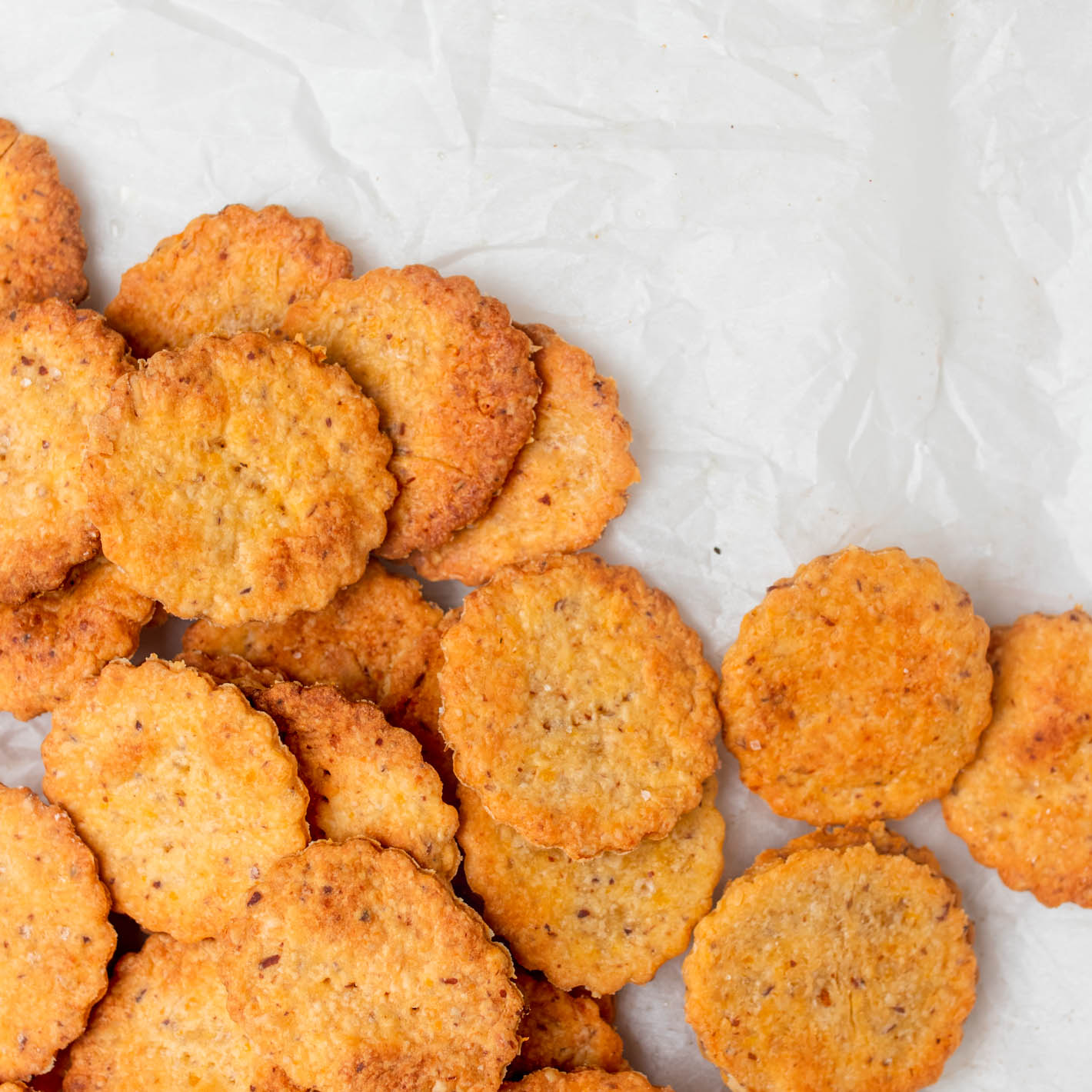 Oat Cheddar Crackers