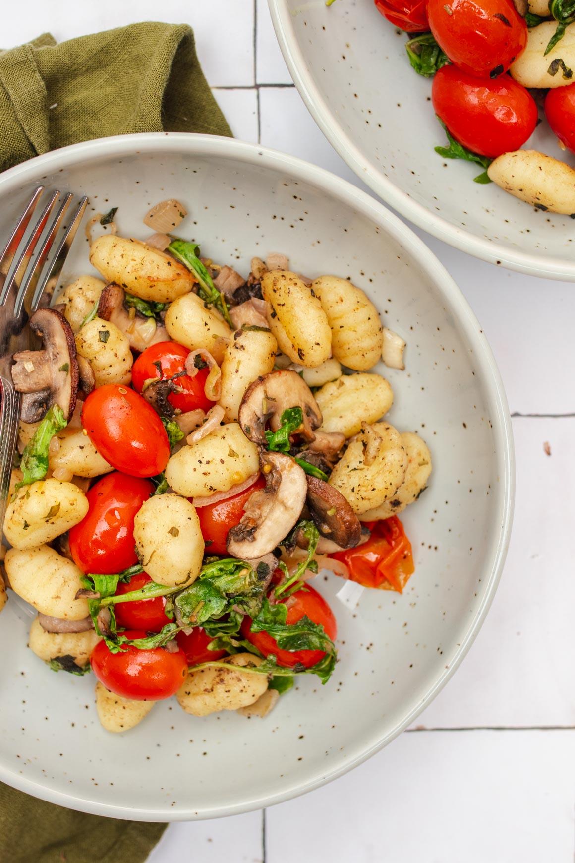 sheet pan gnocchi with mushrooms and tomatoes
