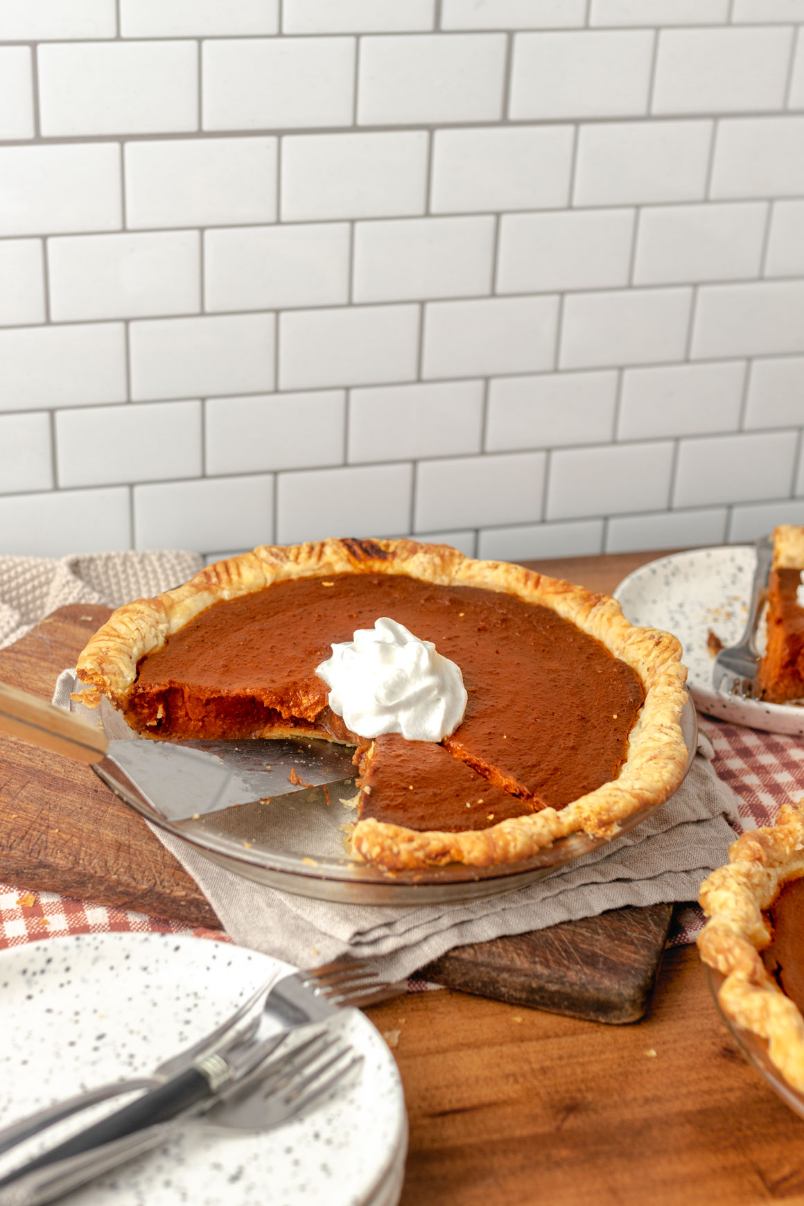 Flaky vegan pumpkin pie